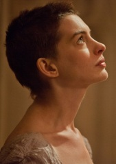 Hathaway as Fantine (photo)
