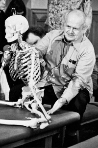 Moshe Feldenkrais in San Francisco (photograph from Bob Knighton's collection, International Feldenkrais Federation Archive)